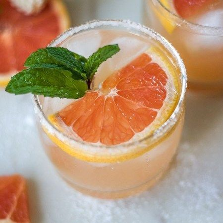 Salty Dog - Grapefruit Cocktail #grapefruitcocktail Salty Dog - Grapefruit Cocktail Recipe | The Domestic Dietitian #grapefruitcocktail