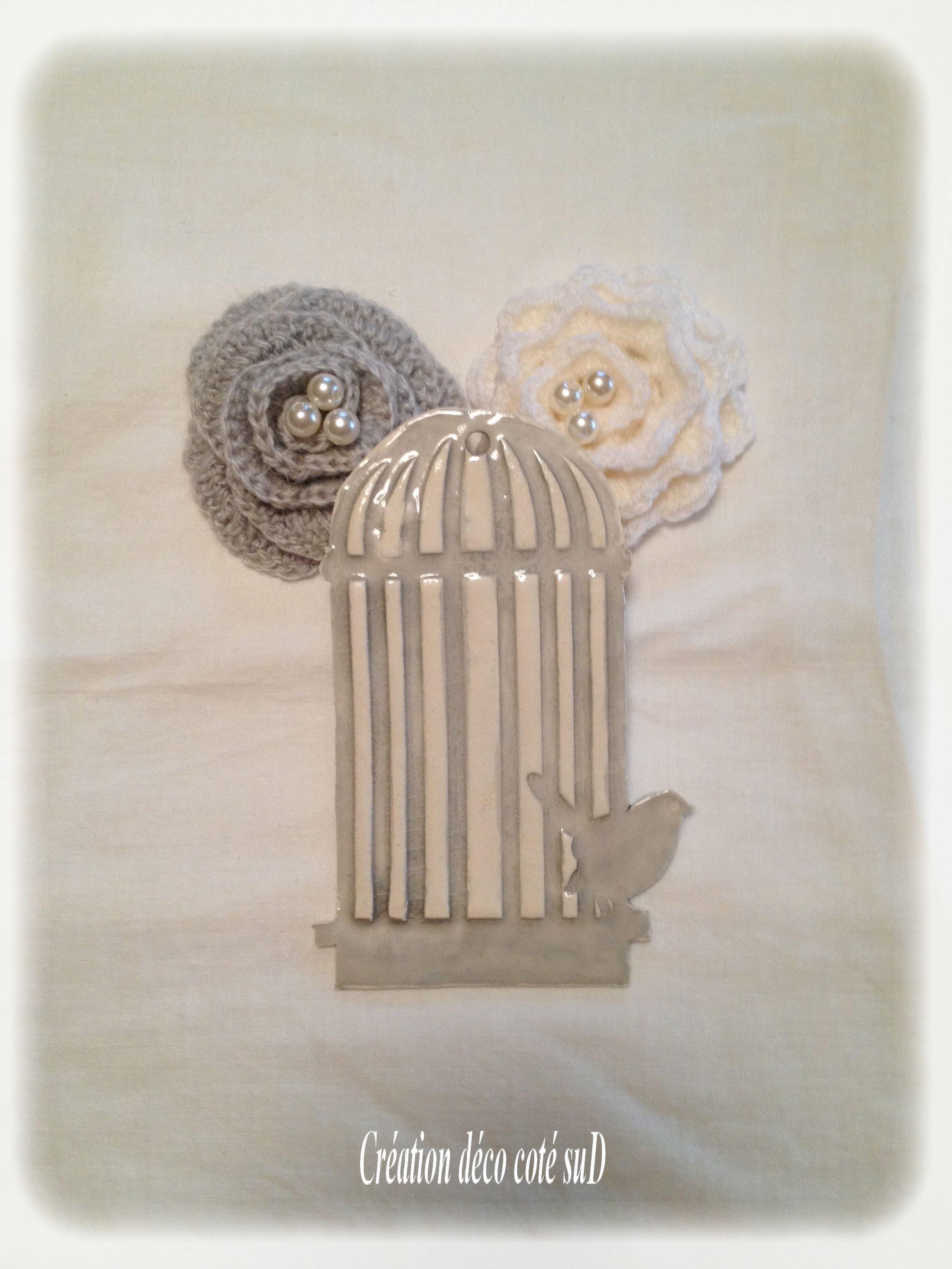 Cage oiseaux blanche grise a suspendre dim 10 cm for Deco cage a oiseaux