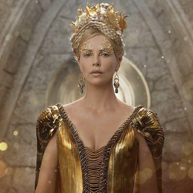 Hemsworth, American Actress, Actors & Actresses, Queen Ravenna, Sweet  November, Charlize
