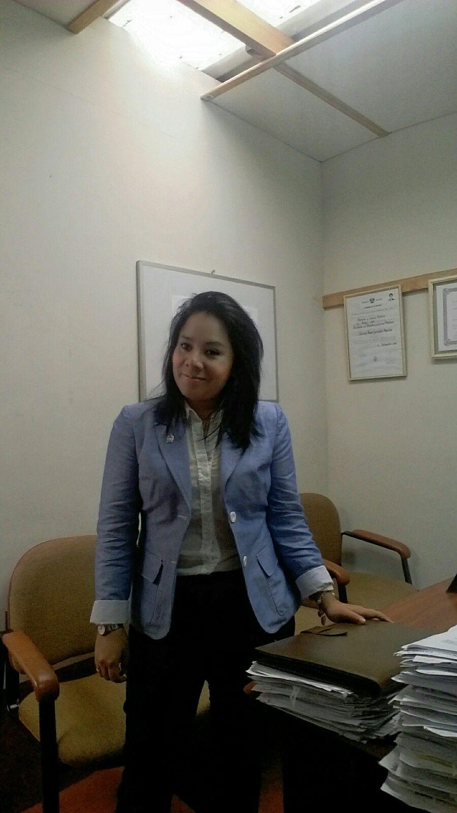 Saco celeste , pantalon azul LUAO y blusa huezo ALMENDRA COLLECTION.