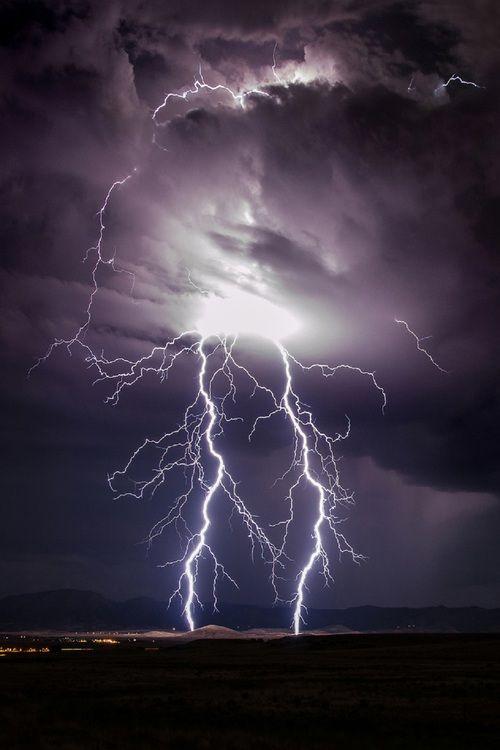 by: Brian Oakley Photography #sky #lightning