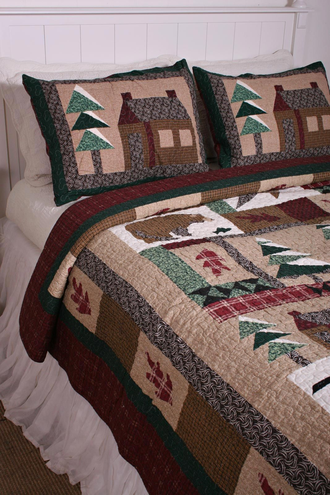 Lodge Winter Cabin in the Woods Cotton Quilt | Cabin Decorating ... : cabin style quilts - Adamdwight.com