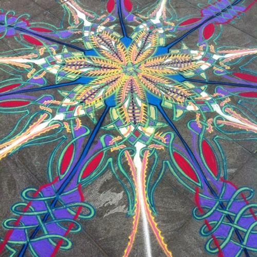 Sustaining work despite wind    Follow me on Facebook http://www.facebook.com/joe.mangrum.art Ⓒ 1994-2014 Joe Mangrum http://www.joemangrum.com Paintings – Sand Paintings – Prints – Installations – Events – Commissions