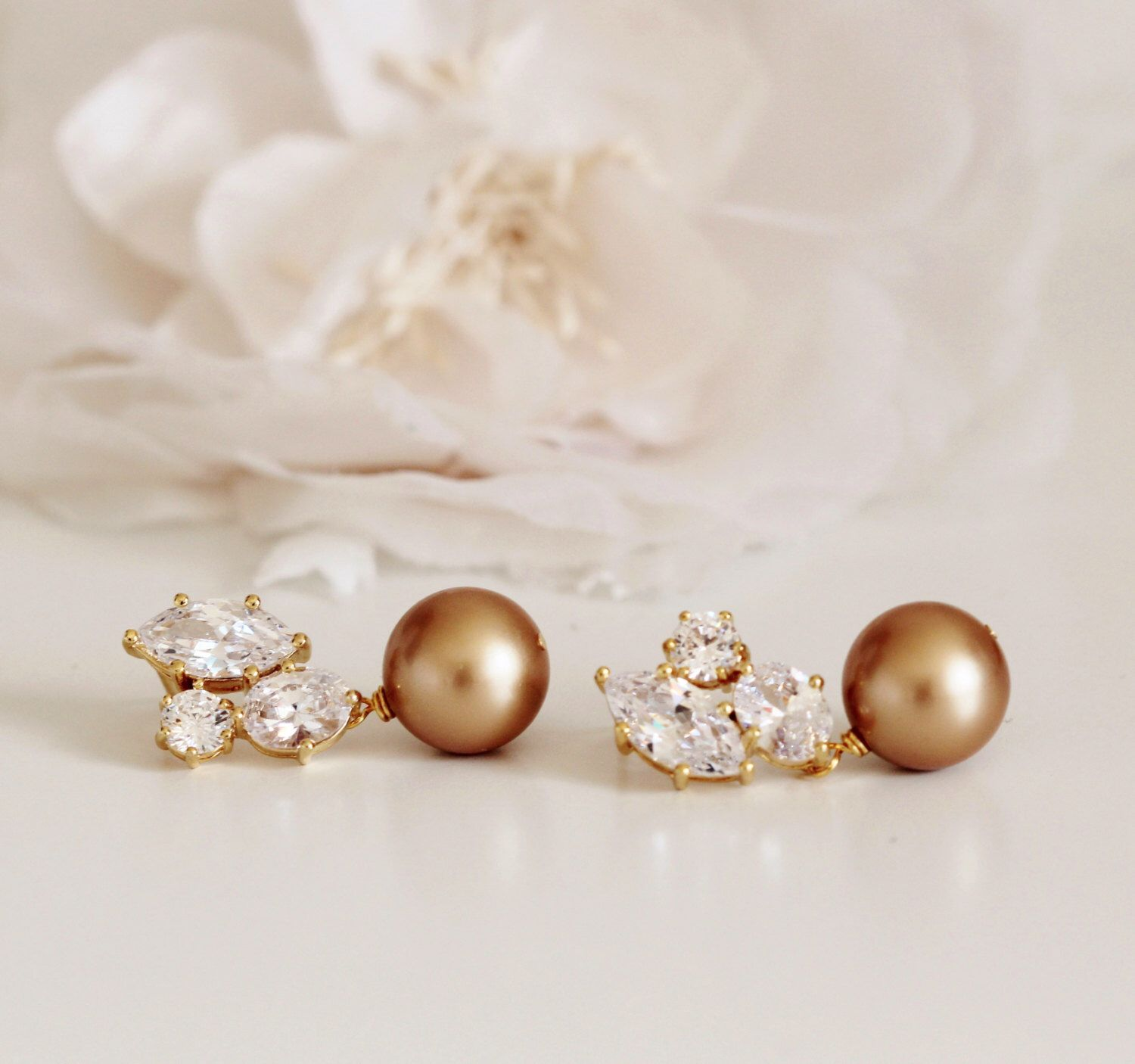 Pearl Wedding Jewelry Mother Of The Bride Gift Vintage Gold Swarovski Earrings Bridal By Dreamislandjewellery On Etsy
