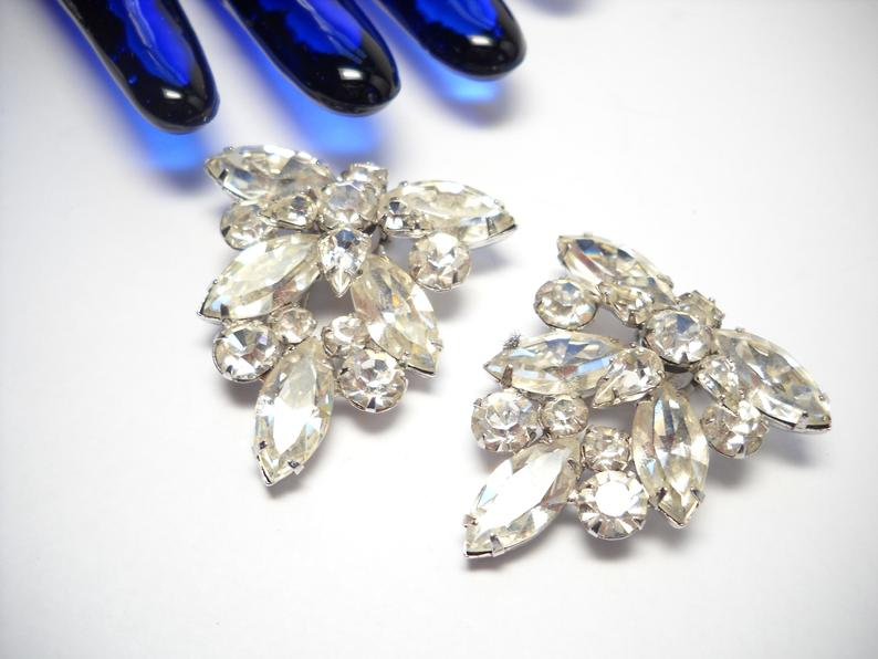 Vintage Leaf Brooch-Statement Jewelry-Collectible Jewelry-Scarf Fur Brooch-Over sized Brooch-Rhinestone Jewelry-Costume Jewelry