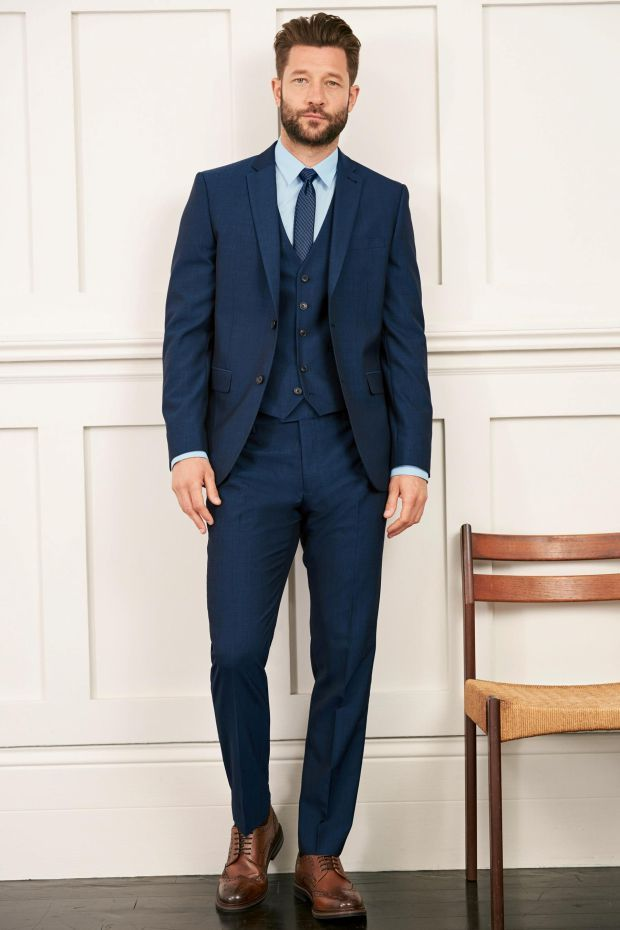 Men - here\'s what to wear to your mate\'s wedding