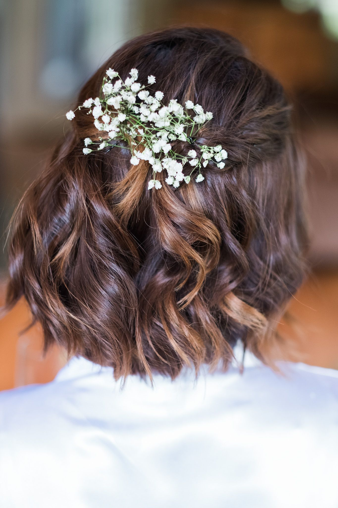 Downstyle Bridal Hair With Babies Breath Short Wedding Hair Short Bridal Hair Bridal Hairstyles With Braids