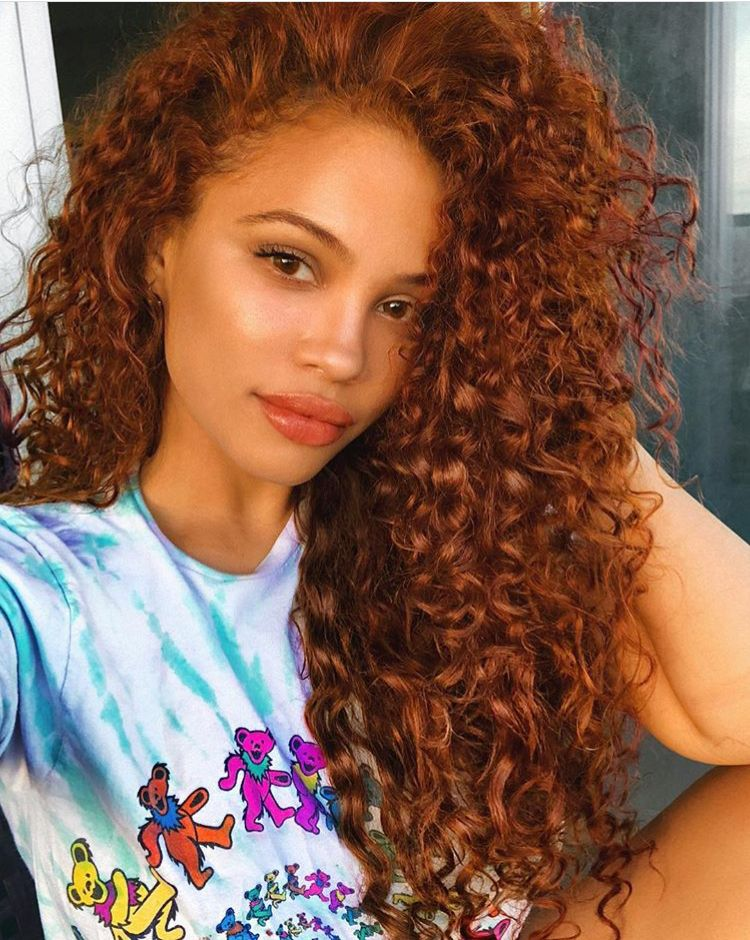 Pin By Mocchaa On Hair In 2019 Colored Curly Hair Dyed