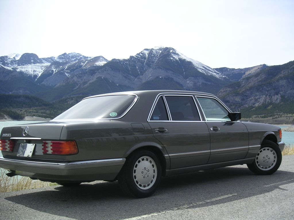 W 126 Mercedes 560 90 S Family Car With Images Mercedes