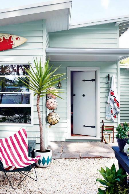 5 Classic Exterior Colour Palettes Beach House Exterior Beach