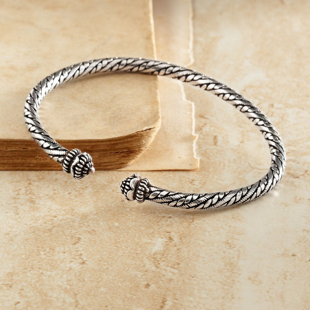 Sterling Silver Lao Bracelet | National Geographic Store