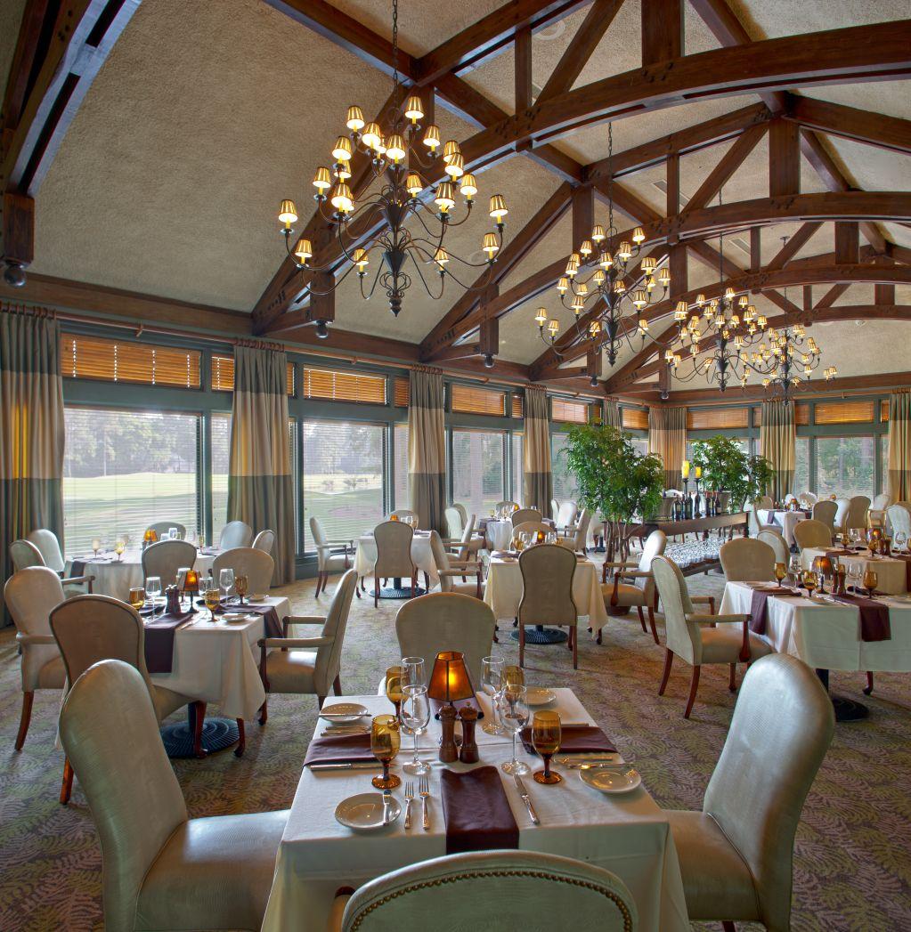 Outdoor Wedding Venues In Georgia: The Landings, Oakridge Clubhouse