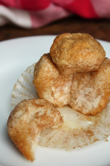 Mini Monkey Breads from Blue-Eyed Bakers: totally wanna try this recipe!