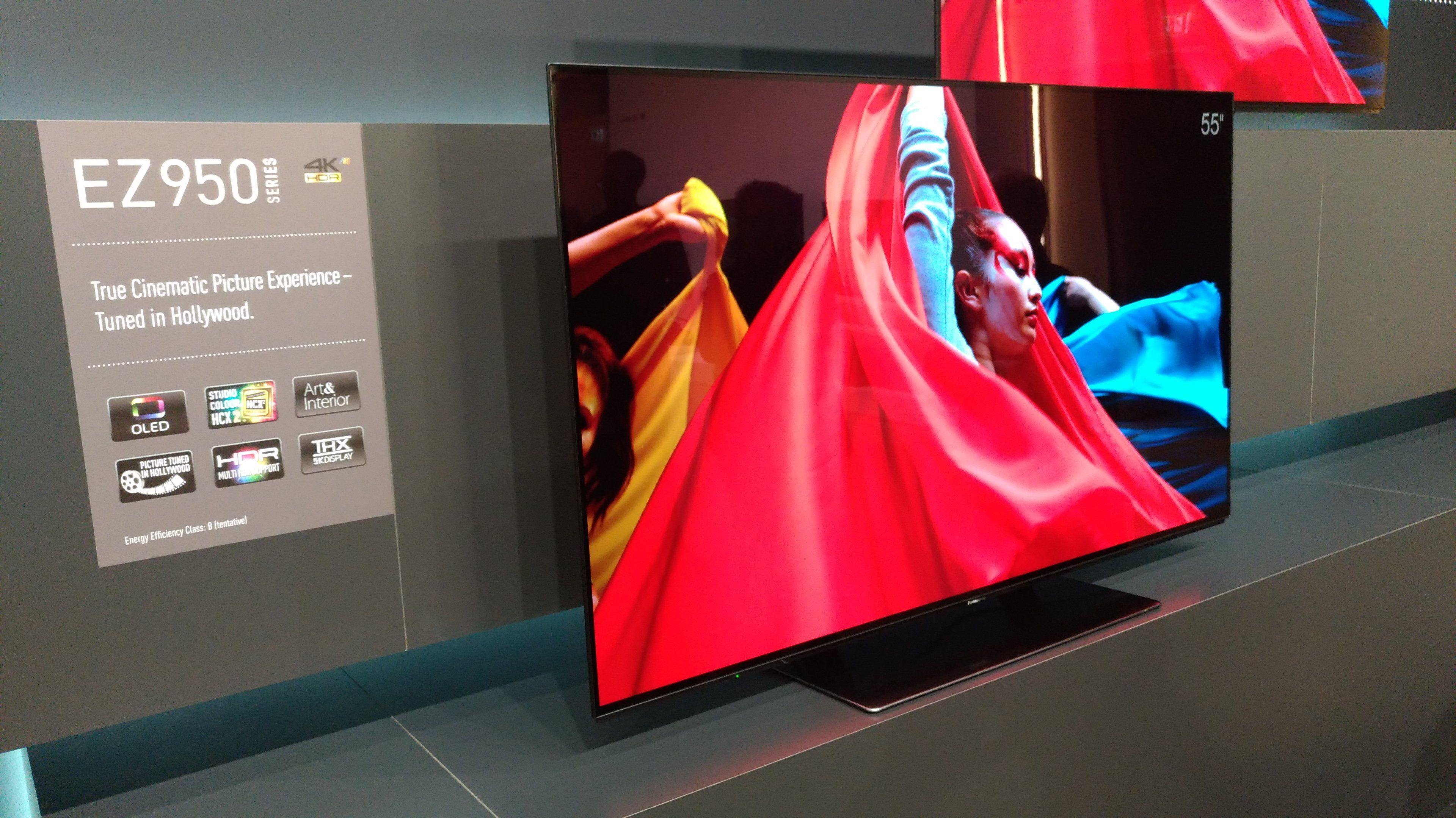 Un primo sguardo al TV OLED 4K Panasonic EZ952...