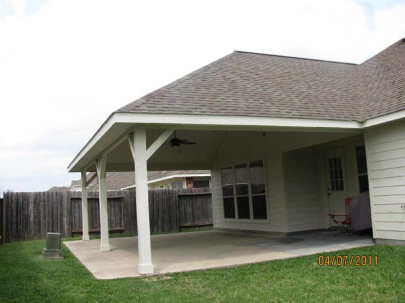Hip roof vs gable roof and its advantages disadvantages for Hip roof porch plans