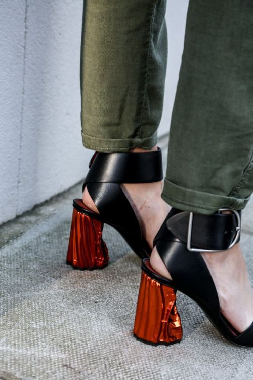 Statment heels that would be perfect for transitional dressing | Image Via: Fashion Gone rouge