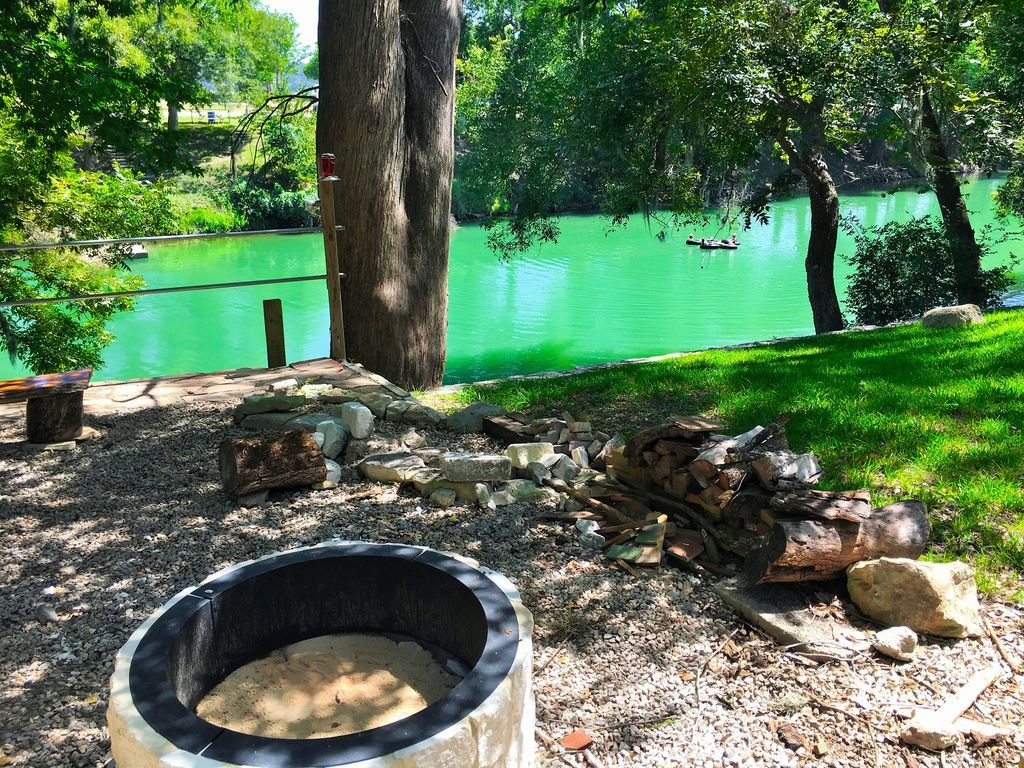 guadalupe river canoe rentals