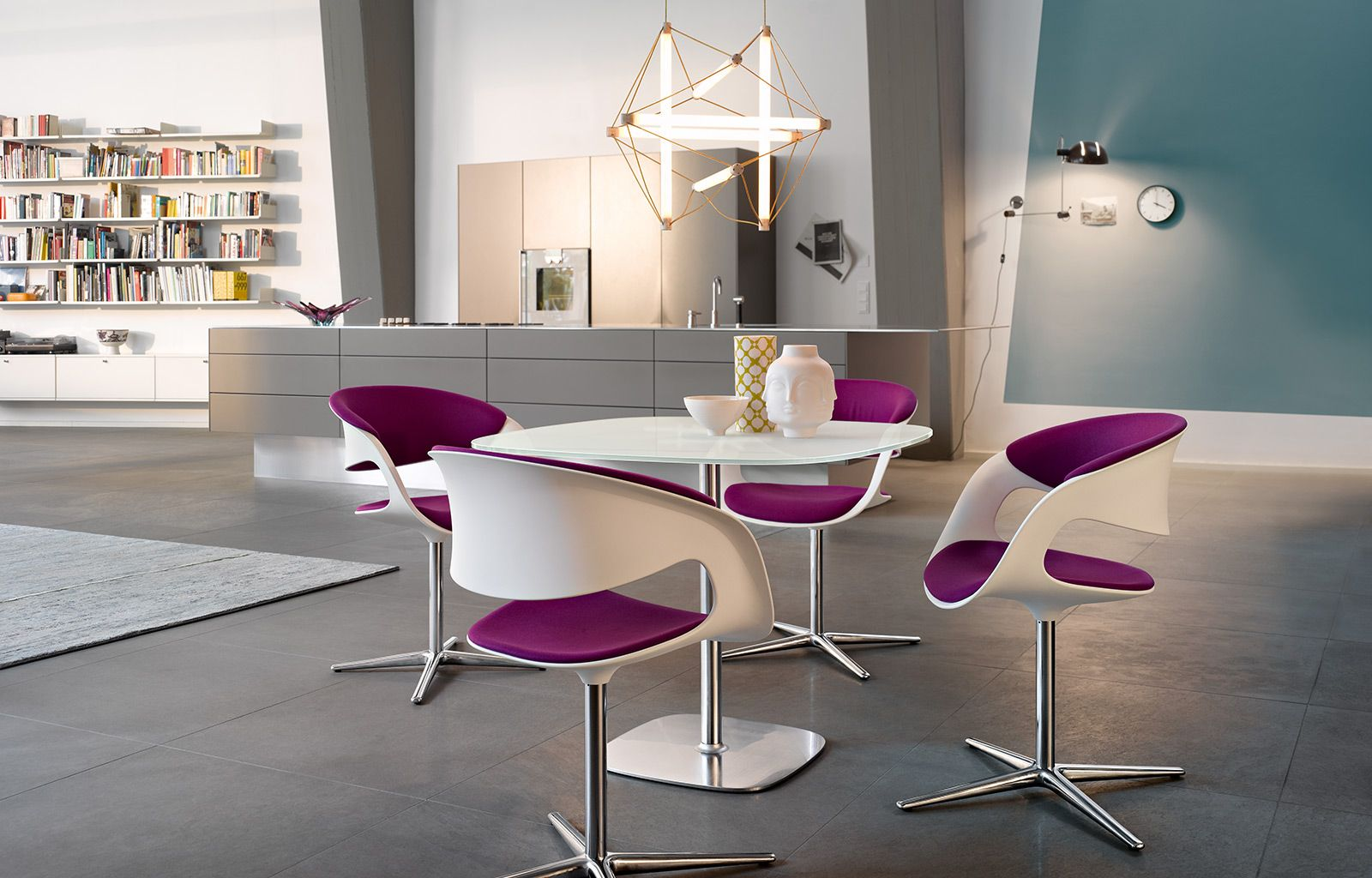 Lox Table | Walter Knoll