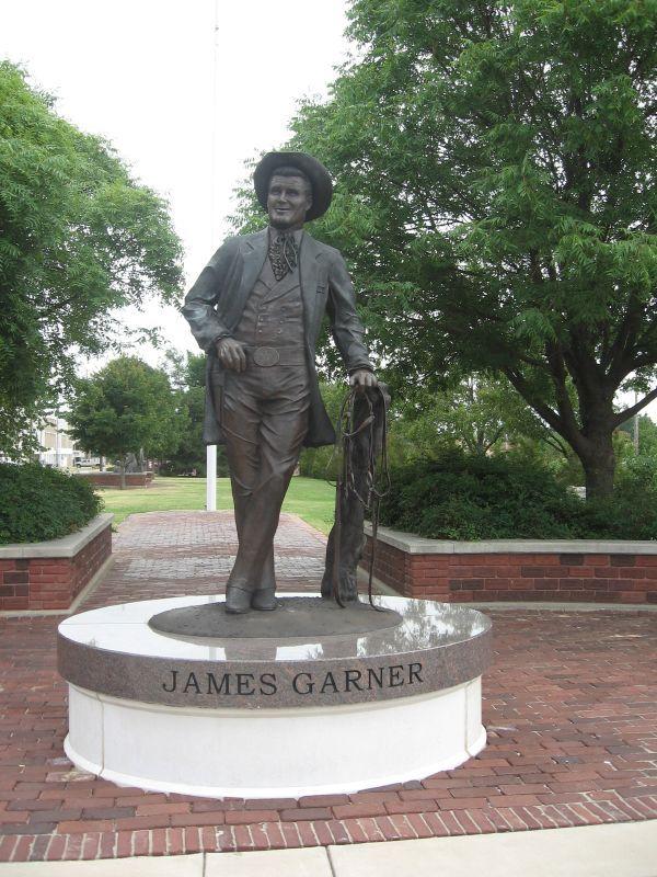 James Garner Statue - Norman, Oklahoma