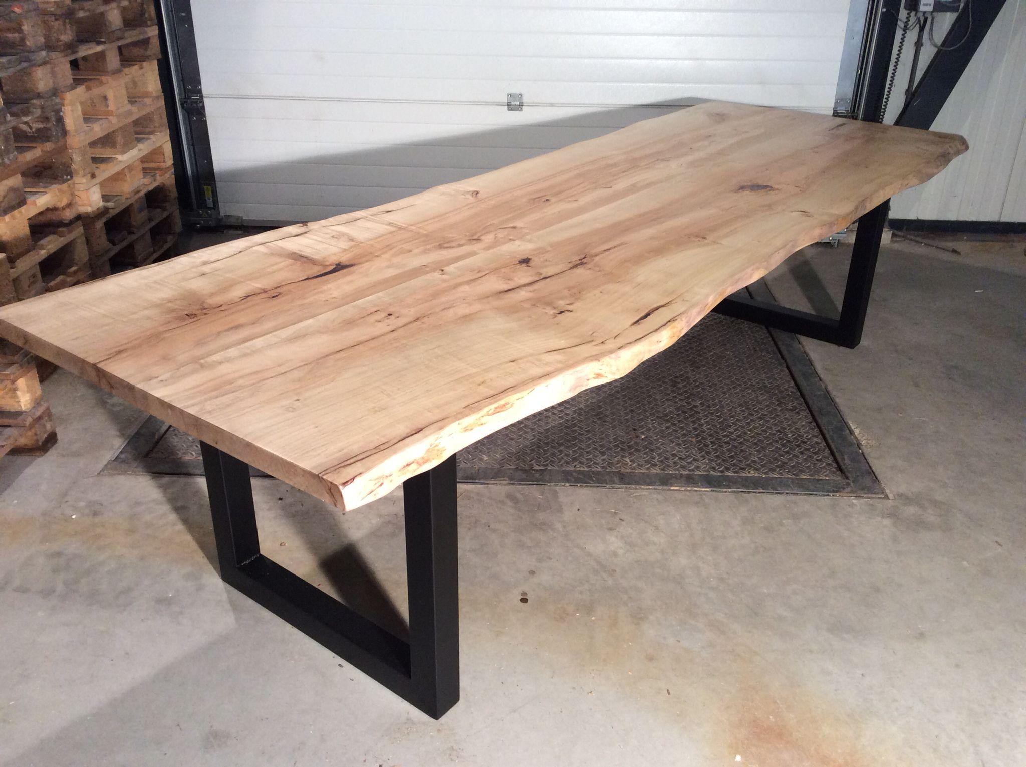 Houten Boomstam Tafel : Boomstam tafel esdoorn meterop vierkant frame mat zwart vanaf