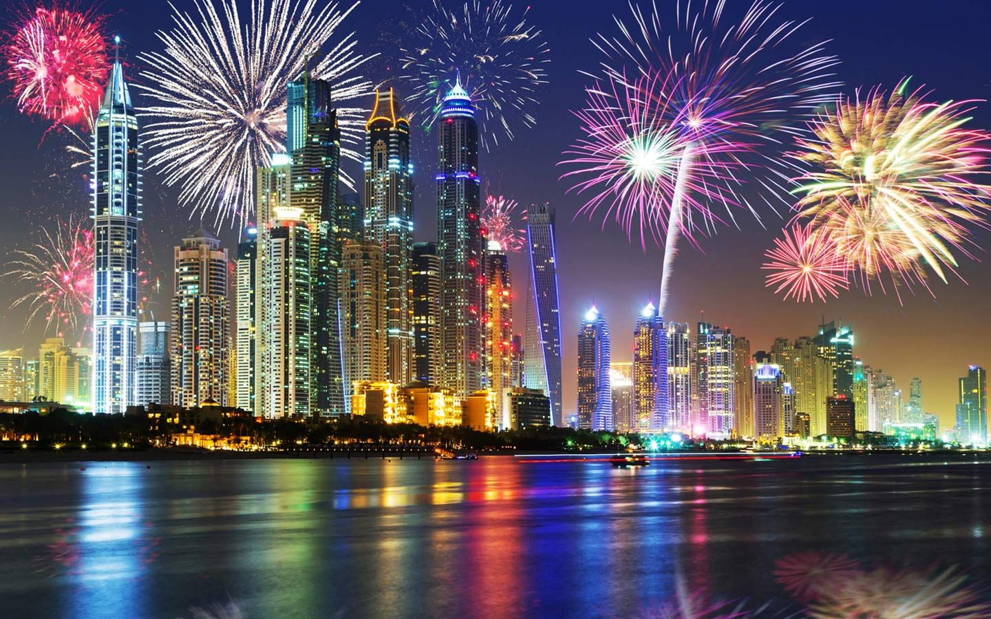 New Year In Dubai 2020 All Things To Know Fireworks Photography Dubai City Dubai Holidays