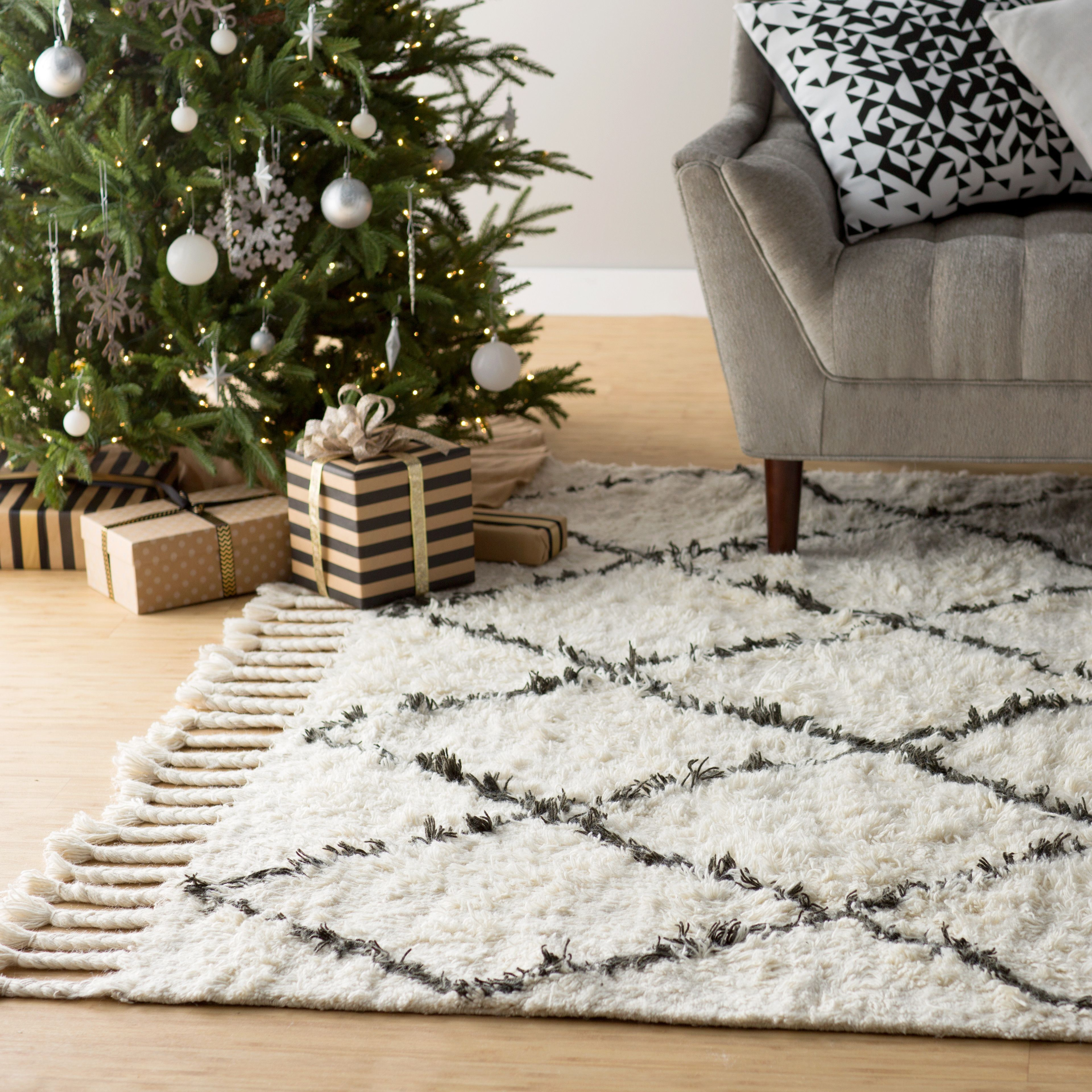Nuloom Tracy Moroccan Tassel Off White 8 Ft X 10 Ft Area Rug