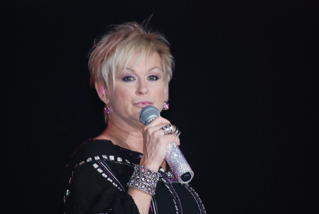 Lorrie Morgan Google Search Hairstyles In 2019