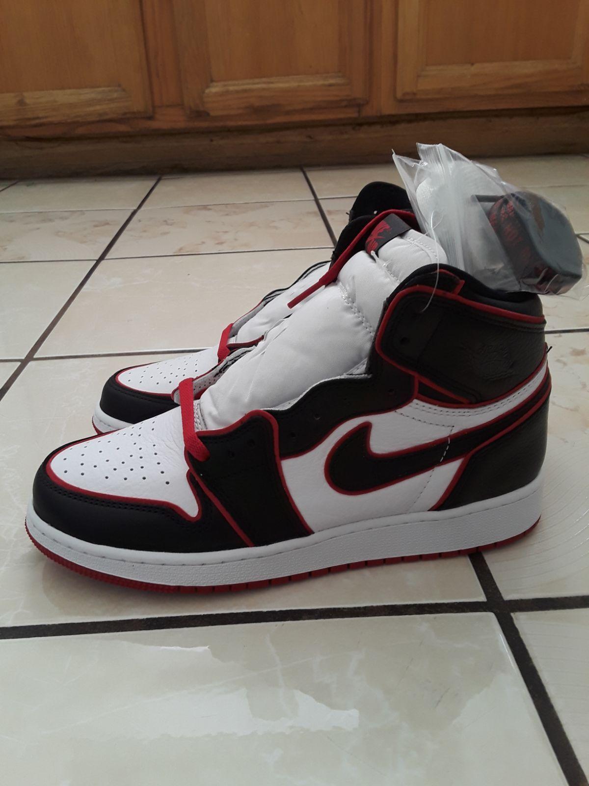 Brand new Jordan 1 Bloodline in grade school size 6.5Y. Will ...