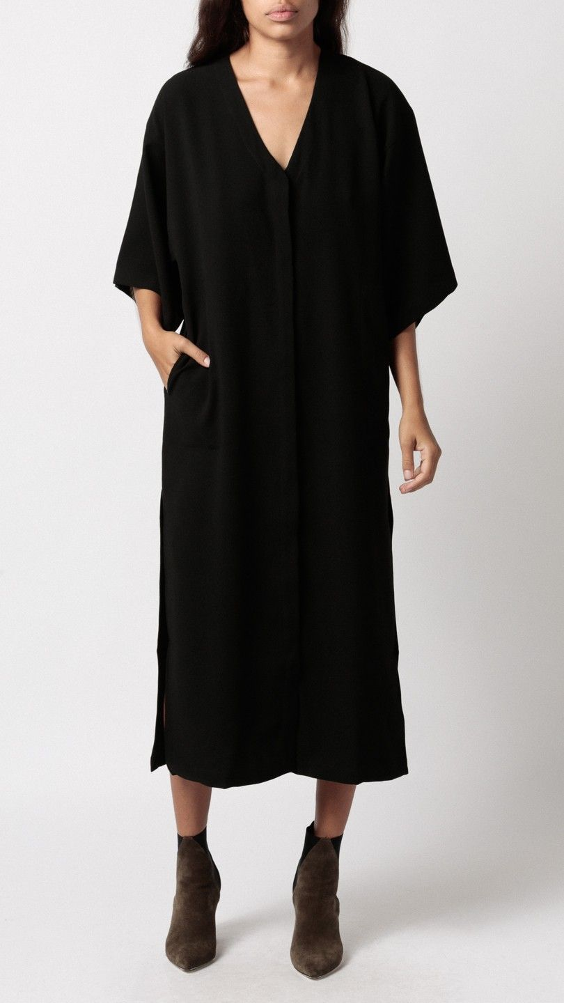 Shaina Mote Dia Dress In Ink Black V Neck Kaftan Style With On Down Front High Side S Short Kimono Sleeves