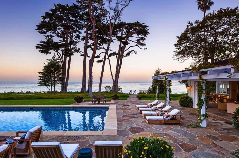 Stunning Seaside Retreat Perched On Bluffs Overlooking The Pacific Ocean Backyard Backyard Beach Patio