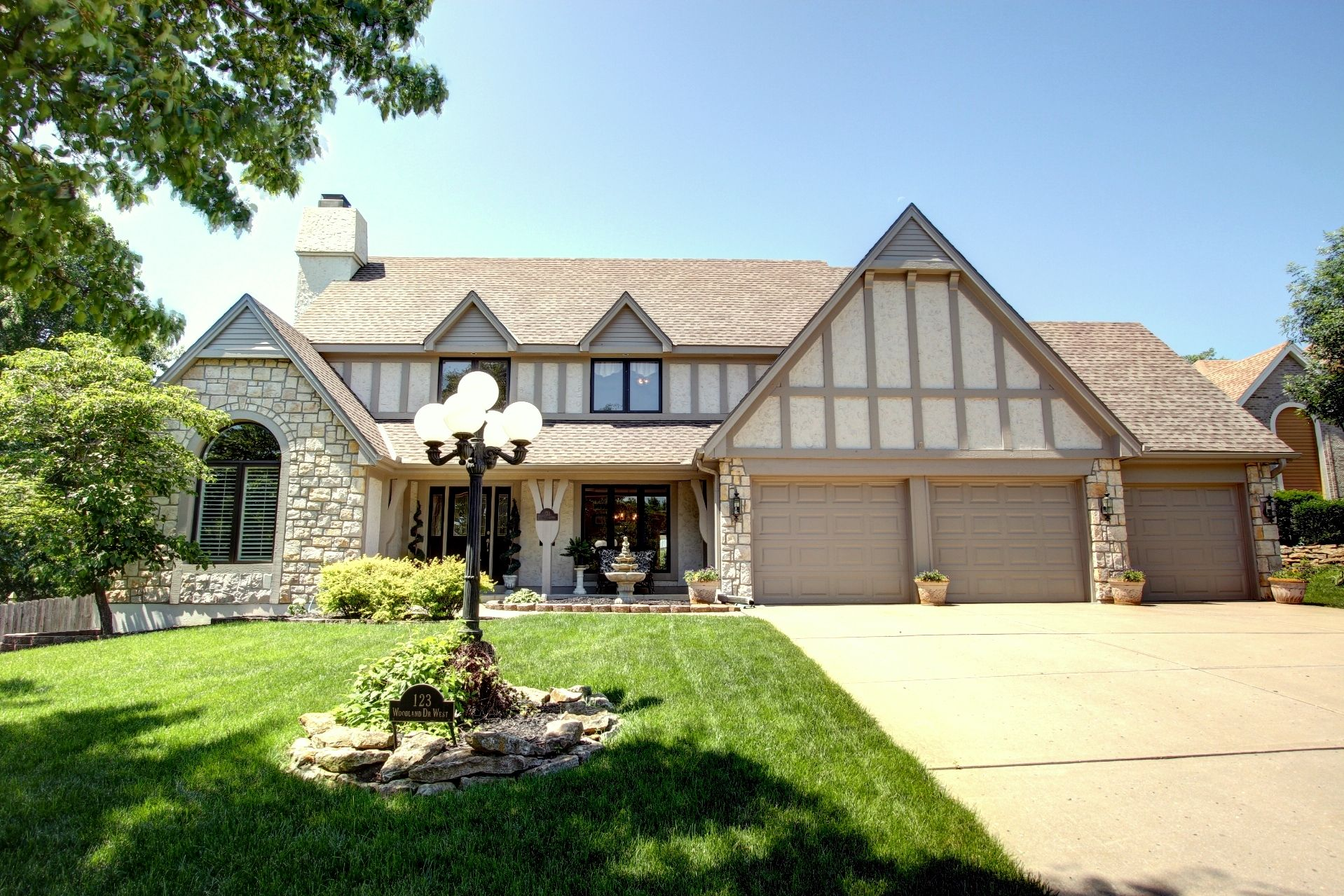 houses for sale liberty township ohio with pool