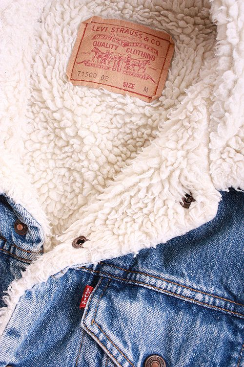 denim jacket with wonderful warm cream faux-sheepskin lining - 80 s levi 5b398681c05