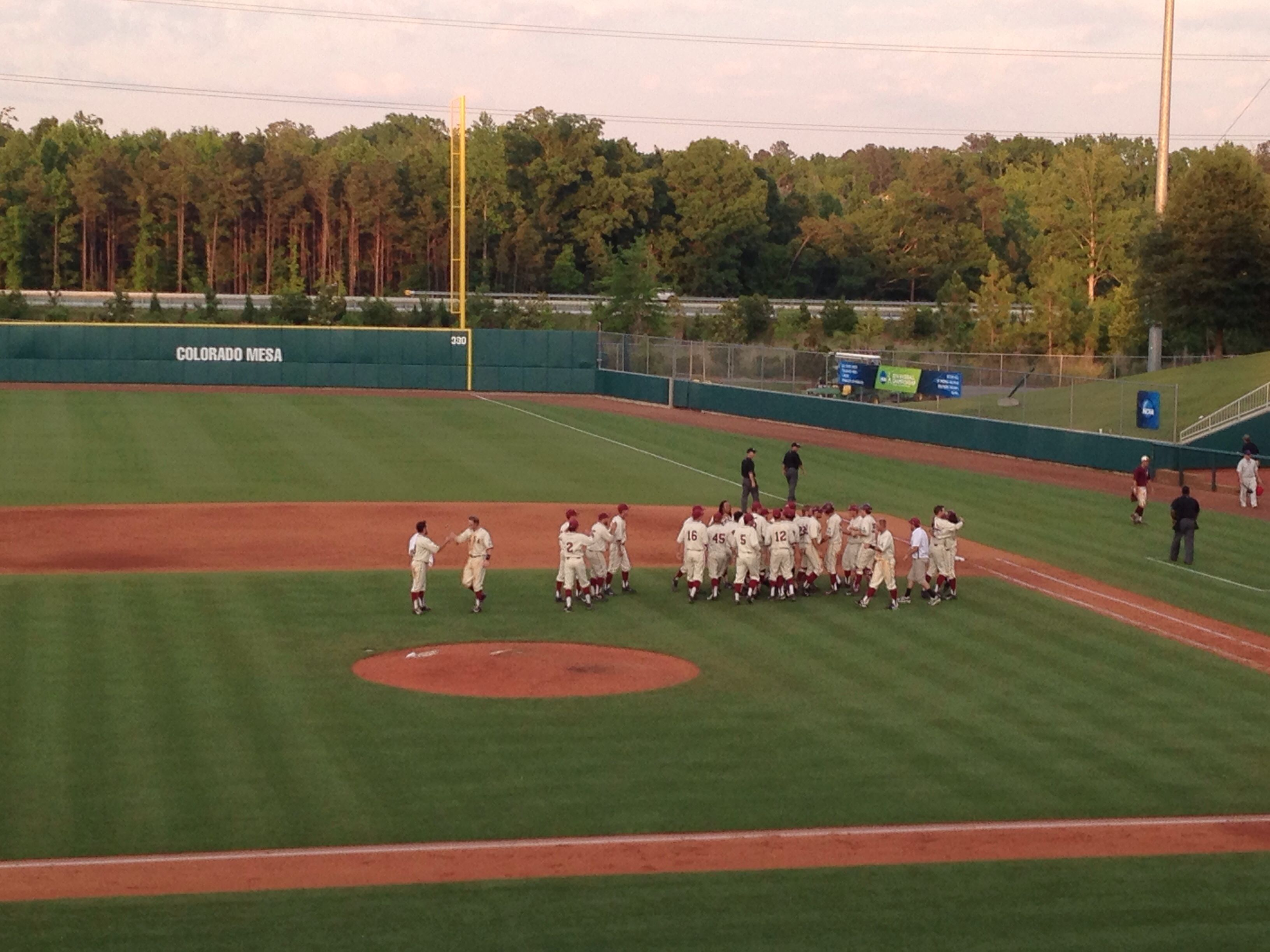 Colorado Mesa Celebrating A Walk Off Win Against St Thomas Aquinas On Sunday In The First Round Of The Division Ii College World Series Usa Baseball Colorado