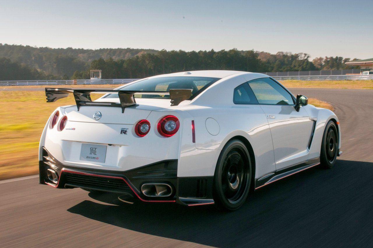Nissan skyline gtr r36