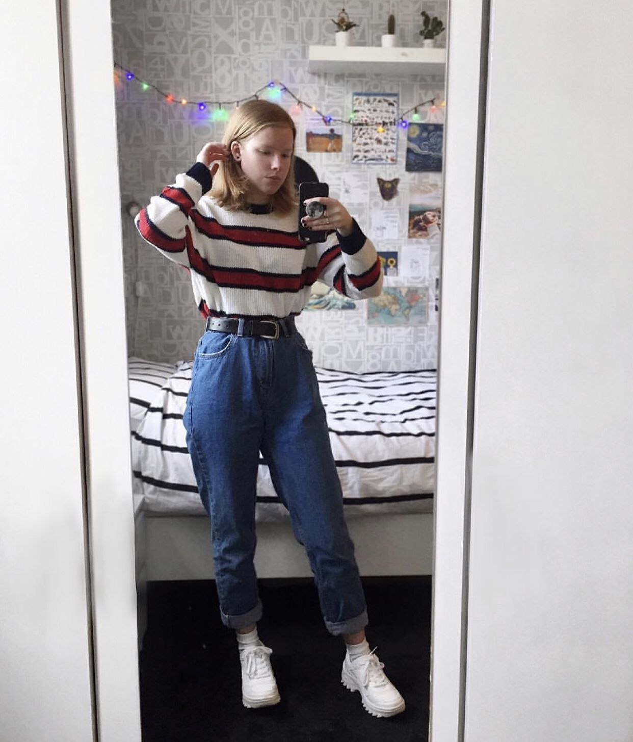 Outfits Grunge Fashion Vintage Clothes Art Aesthetic Tumblr Colortrends Colour Shoes Cute 90s Style Inspiration Thri Mom Jeans Dress Up Fashion