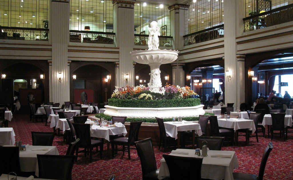 Walnut Room: A Loop, Chicago Restaurant. Known for American, Lunch.