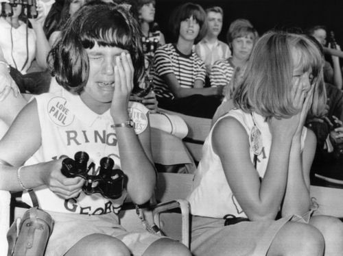 OMG!!!! Beatlemania.... this is really how it was!