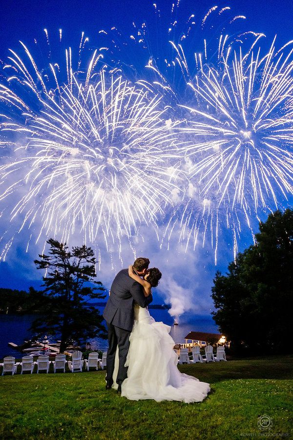 13 Photos Of Fireworks At Weddings That Are Absolutely Explosive
