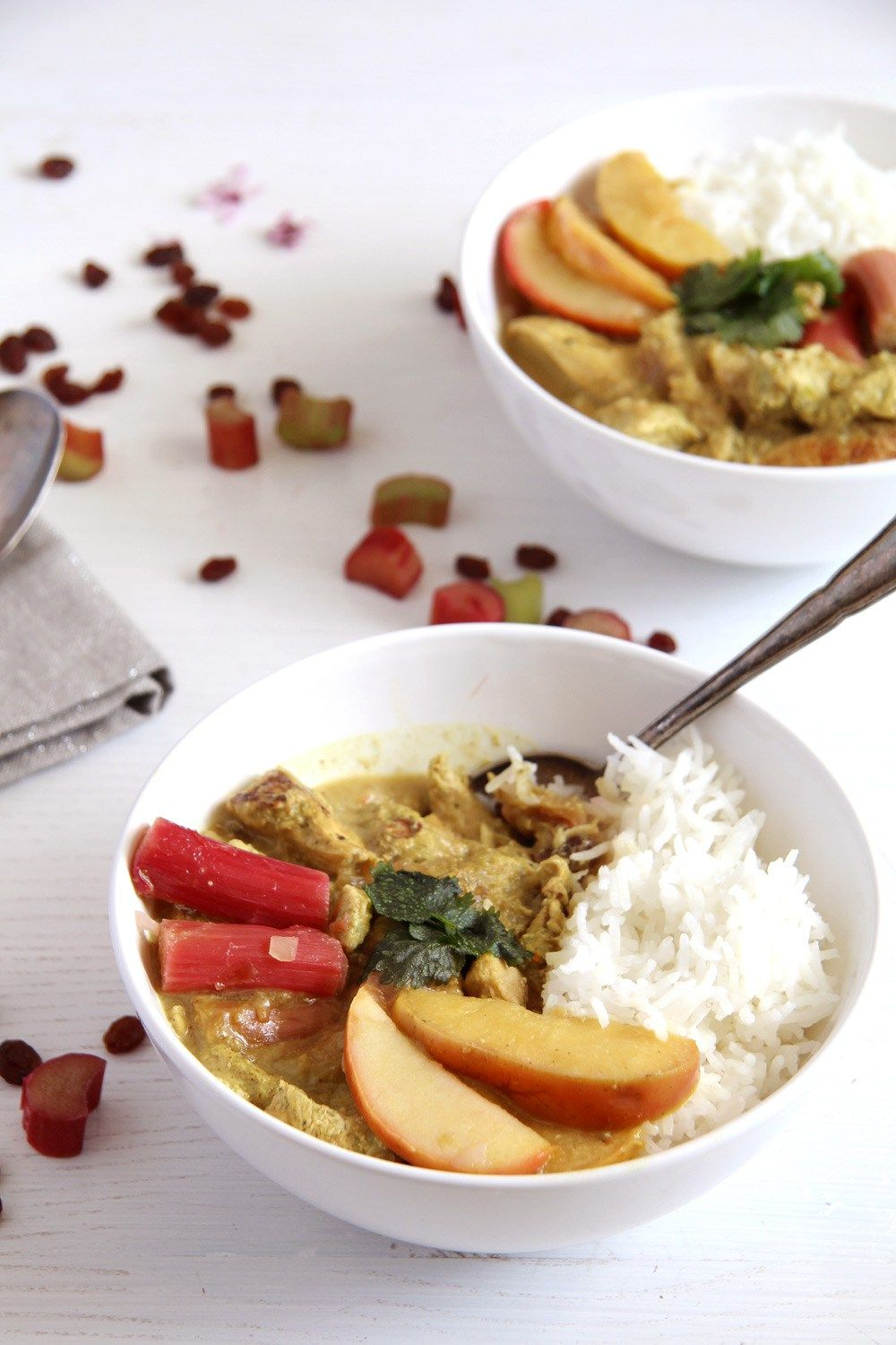 Chicken Green Curry With Rhubarb Coconut Milk And Raisins Recipe Rhubarb Dairy Free Dinner Curry Chicken