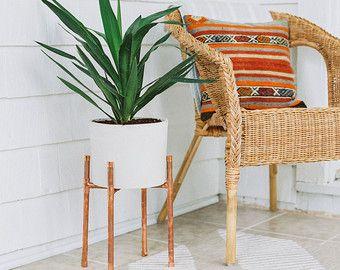 Cuivre et jardini re en b ton peuplement moderne for Jardiniere interieur moderne