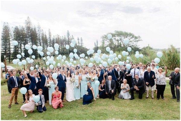 Die Zeit Der Rebellion Ist Vorbei Hochzeitstraditionen Sind Vollig Ok Und Leben Frisch Wieder Auf U Ballons Hochzeit Hochzeitstraditionen Hochzeitsfotografie