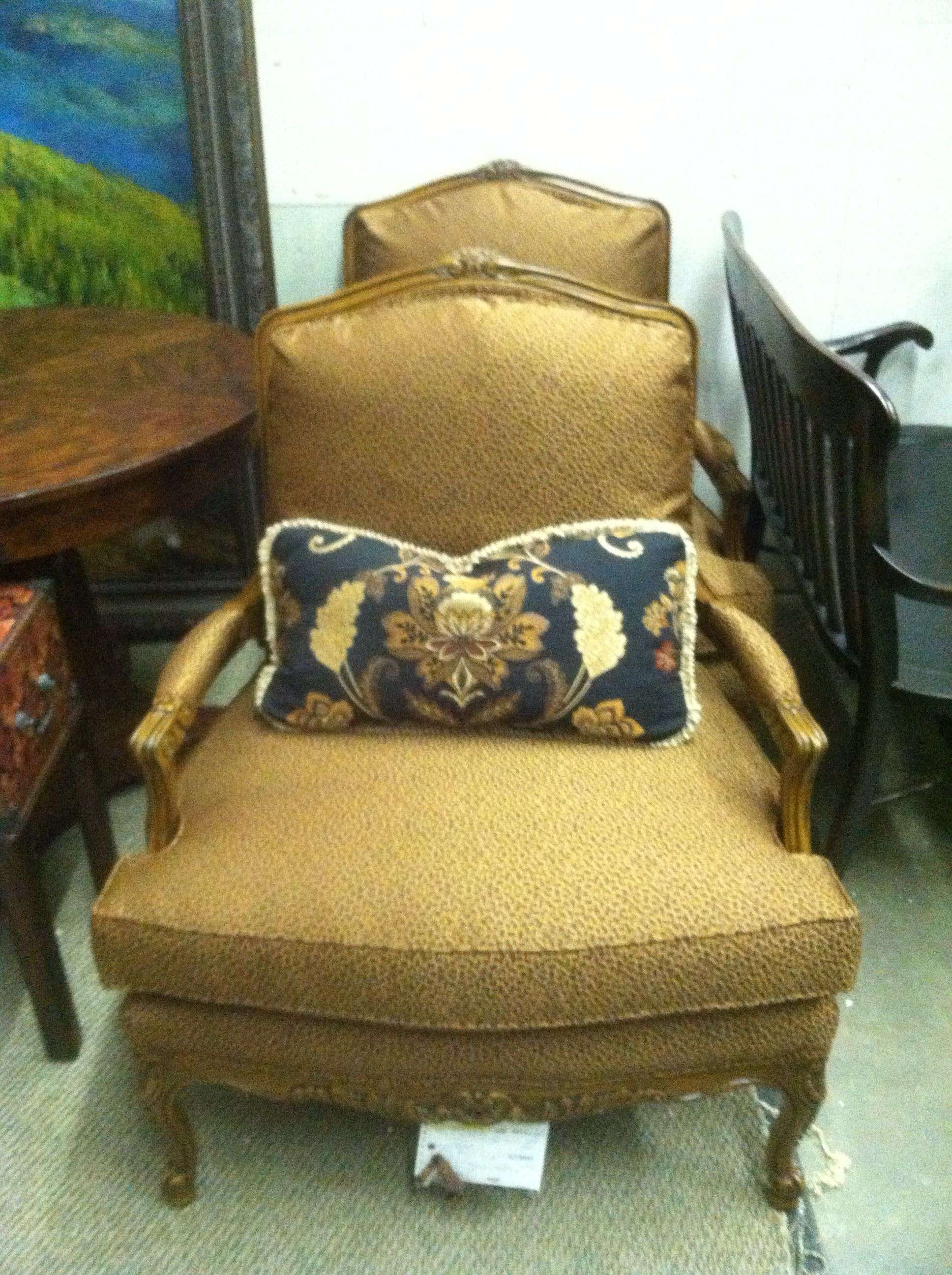 Custom Sherrill chairs Homestead house, Entertainment