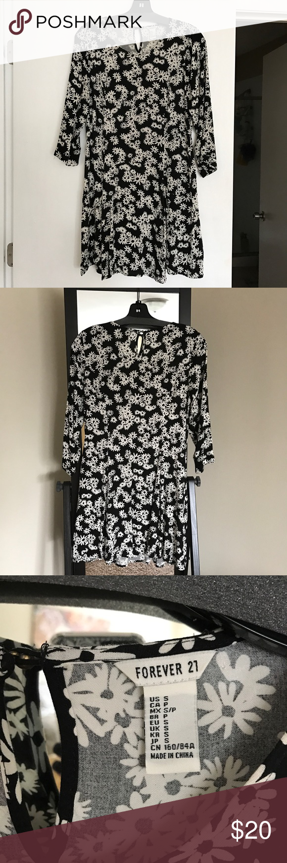 Forever 21 fit and flair dress. NWOT Beautiful Forever 21 fit and flair dress. NWOT Forever 21 Dresses Mini