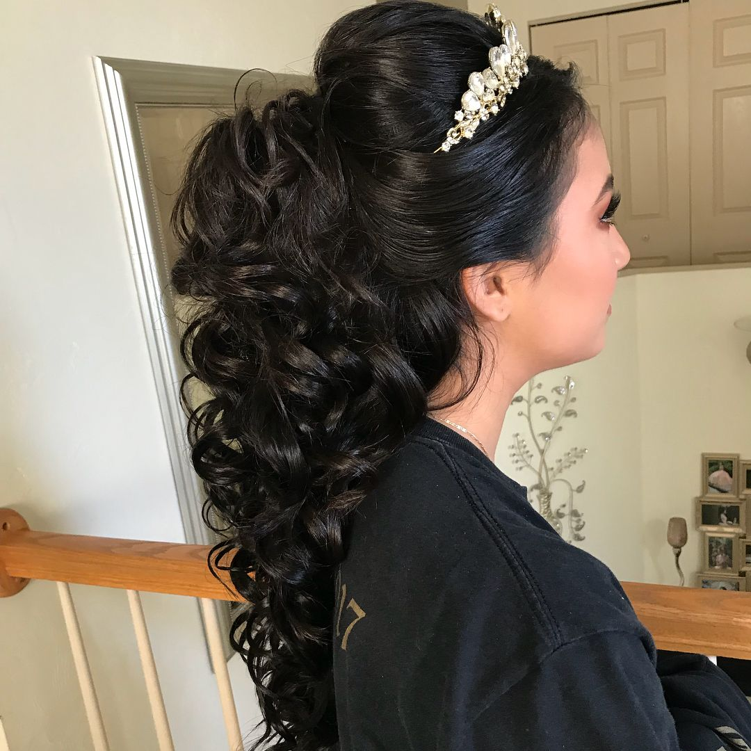 6 Popular Hairstyle Ideas For Quinceaneras Quince Hairstyles Medium Hair Styles Quinceanera Hairstyles