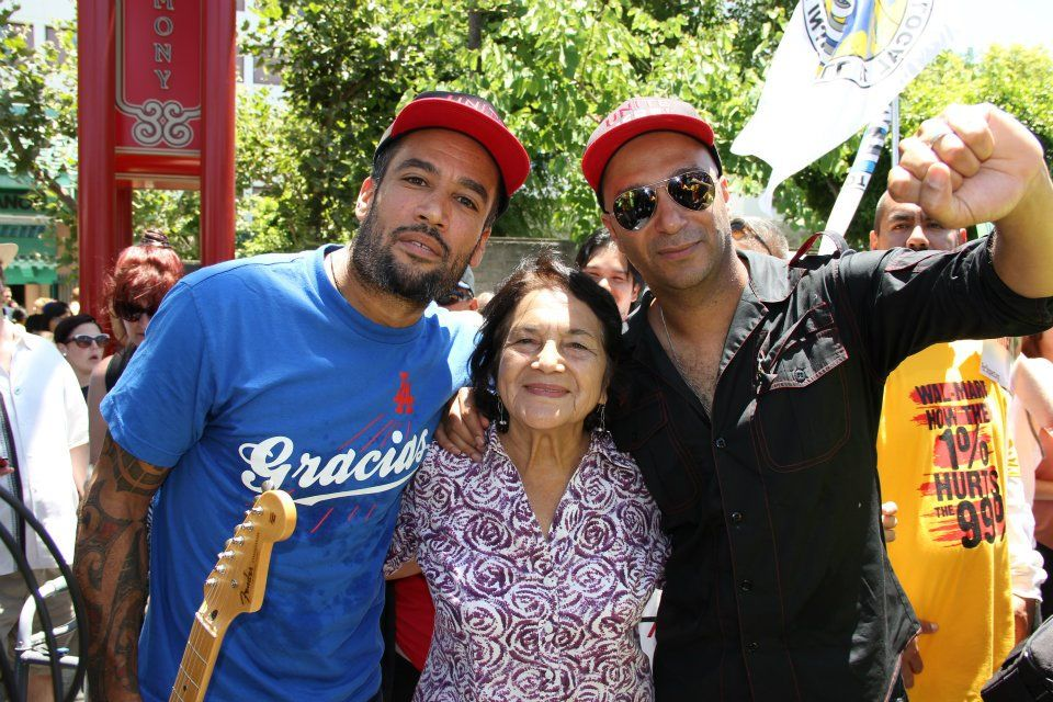Presidential Medal Of Freedom Winner Dolores Huerta Flanked By Grammy Winners Ben Harper And Tom Morello Grammy Dolores Huerta Tom Morello