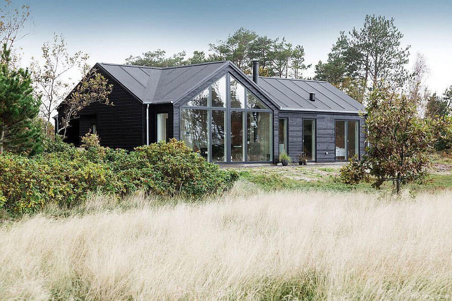 45 Inspiring Small Modern Farmhouse Exterior Design Ideas Augustexture Com Modern Farmhouse Exterior Danish House Scandinavian Modern House