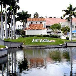 Clubhouse ~ Isla Del Sol Yacht & Country Club ~ 6000 Sun Boulevard, St Petersburg, Florida 33715 ~ 727.906.4752 ~ www.isladelsolycc.com