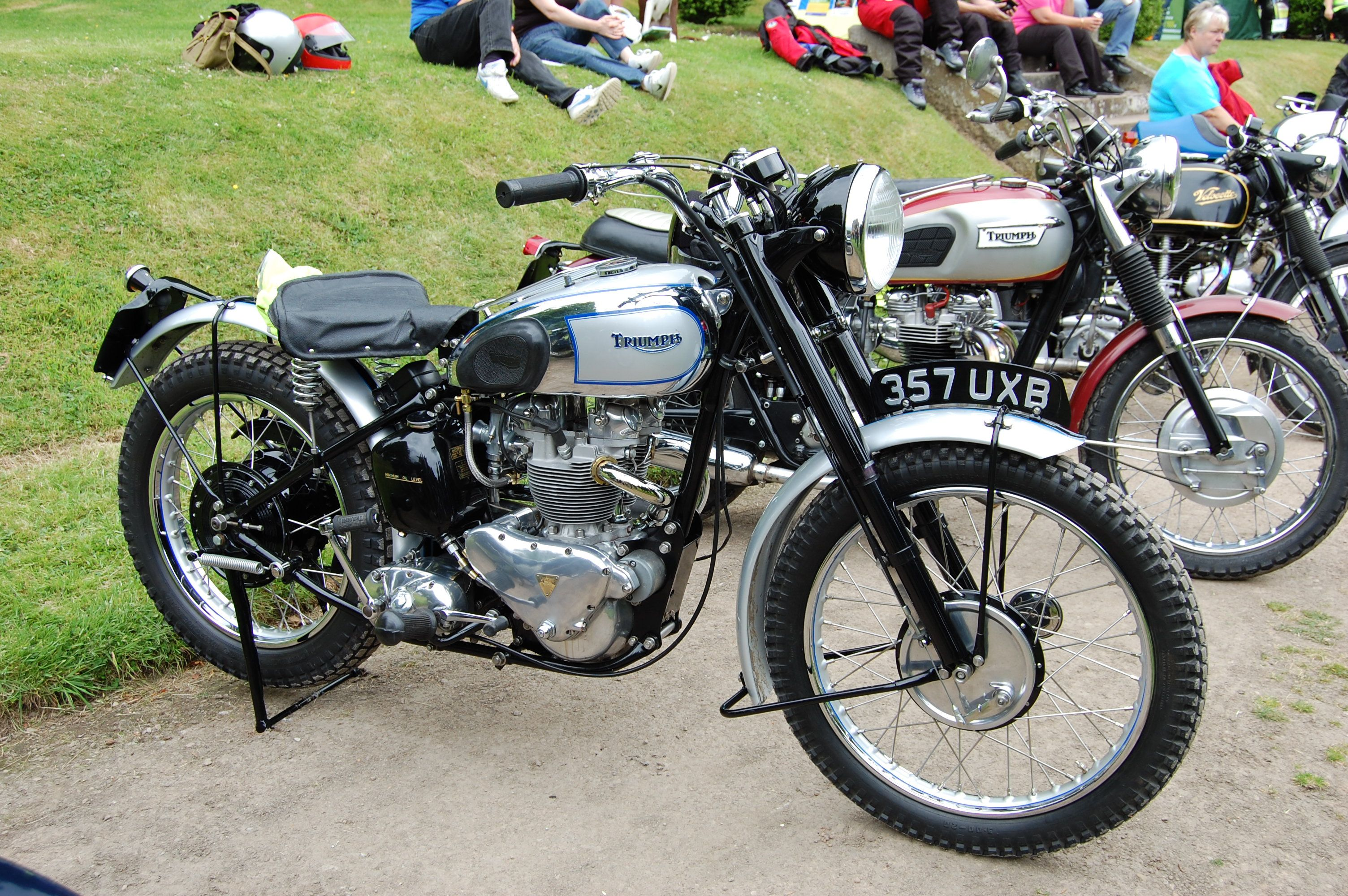 triumph 500 | file:triumph trophy tr5 rear in hub suspension 500cc