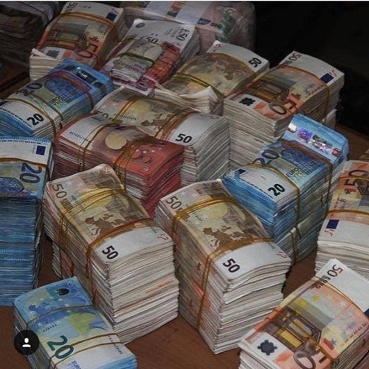 Rich Kids Spotted Image If You Re Reading This Remember No Days Off Motivation D Money Cash Money Stacks Bank Notes