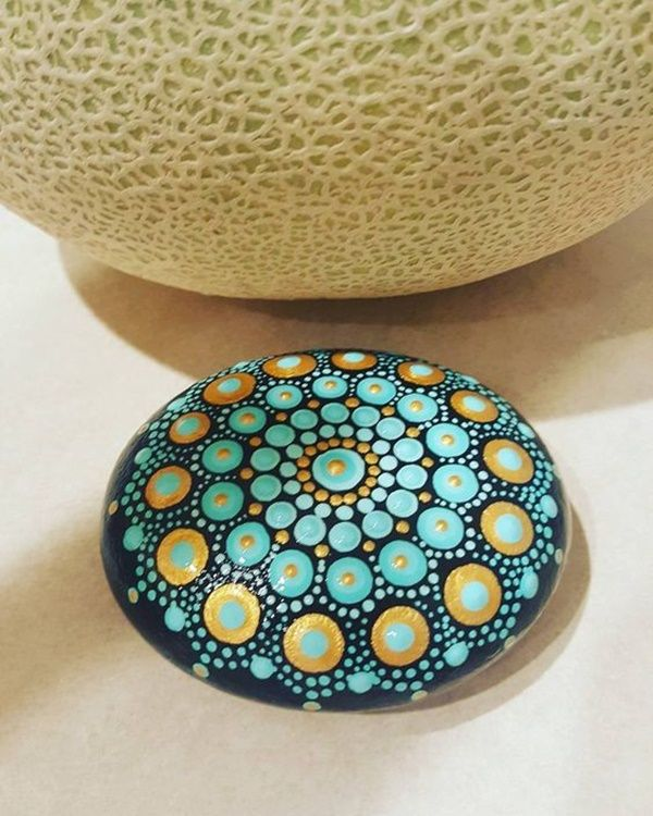 40 DIY Mandala Stone Patterns for Random Awesomeness is part of Rock painting patterns, Rock painting designs, Rock art, Stone painting, Mandala painted rocks, Mandala stones - It's time to try yourself out with DIY Mandala stone patterns for your rich indoor decorationsIt's like a meditation creating beautiful designs out of dots